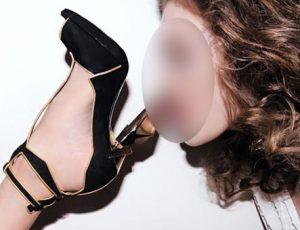 femme dominatrice fetichiste au pied sexy