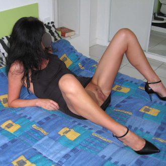 maman cougar escort girl rochefort