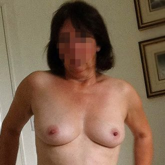 Femme mure Troyes