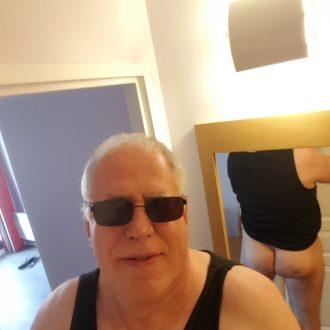 homme gay mur la rochelle